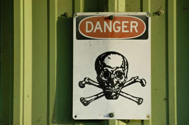 Pozor, nebezpečí - jed!